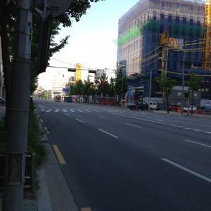 ホテルの前の通り。